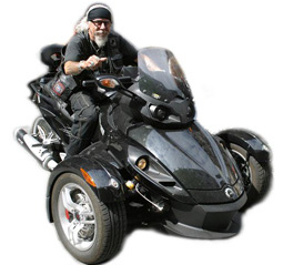 Peter unterwegs mit seinem dreirädrigen Can-Am Spyder Roadster, Together 02/16